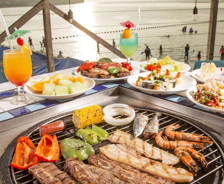 Tumon, Enjoy the Food Sunset Atmosphere Guam