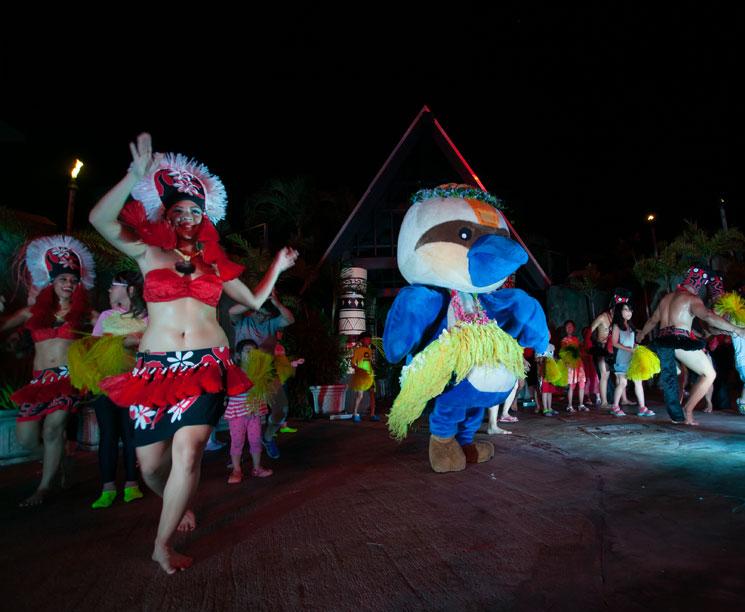 Tumon, Pacific Fantasies Dinner Show Guam